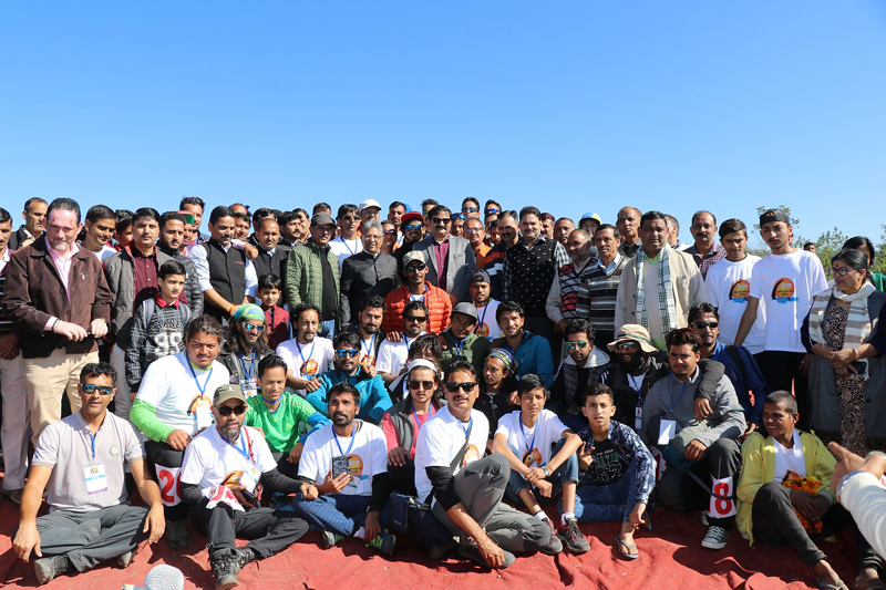 Participants of Acro & Accuracy Paragliding Cup posing for group photograph.