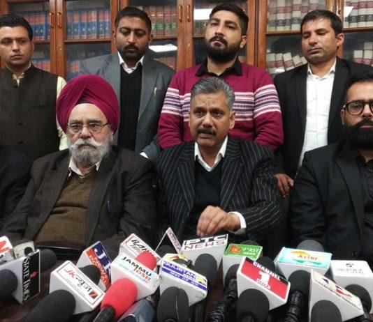 President J&K High Court Bar Association Jammu Abhinav Sharma addressing press conference on Thursday. — Excelsior/Rakesh