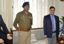 Lt Governor G C Murmu meeting Div Com, IGP and CEO SMVDSB on Sunday.