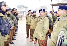 DGP Dilbag Singh interacting with jawans during his visit to district Budgam.