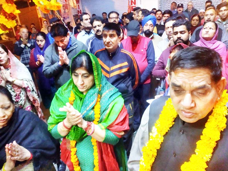 JMC Mayor & Dy Mayor alongwith devotees taking out Prabhat Pheri on Sunday.