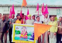 Tawi Andolan president, Chander Mohan Sharma, flagging off Sadbhawna Yatra to Bawa Bhair Devsthan from Parade, Jammu.
