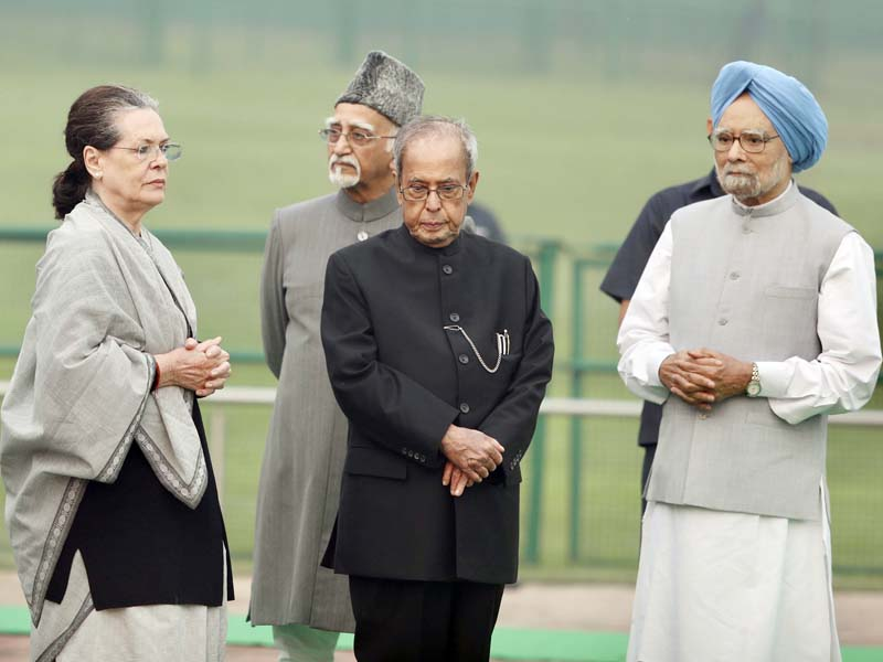 Congress President Sonia Gandhi with former President Pranab Mukherjee, former Vice President Mohd. Hamid Ansari and former Prime Minister Manmohan Singh after offering floral tribute to Pandit Jawarlal Nehru the first Prime of India on his birth anniversary at Shantivan, in New Delhi on Thursday. (UNI)