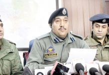 SSP Srinagar Dr Haseeb Mughal addressing a press conference on Saturday. —Excelsior/Shakeel