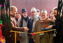 J&K Bank Zonal Head Kashmir (North) Imtiyaz Ahmad Bhat inaugurating new premises of BU Ashipora in Langate, Kupwara.