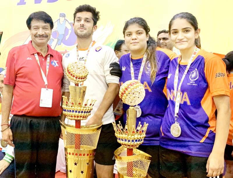 The trio of Hiteshwar, Khushi and Suvidha posing along with their mentor, Madhu Sharma after excelling in 5th Rollball World Cup.