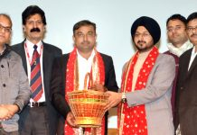 CEO SMVDSB Ramesh Kumar and outgoing CEO Simrandeep Singh.