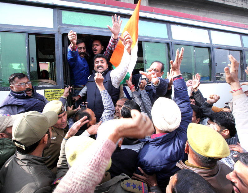 Protesting Panchayat members being arrested by Police in Jammu on Tuesday. -Excelsior/Rakesh