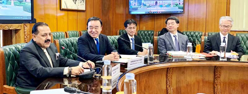 Union Minister Dr Jitendra Singh and Japanese Minister of Industry, Economy and Trade, Hiroshi Kajiyama holding high level delegation talks at North Block, New Delhi on Tuesday.