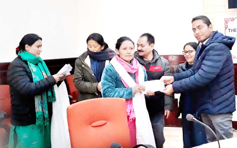 DC Leh and PO ICDS felicitating Anganwadi Workers during conclusion of 'Matru Vandana Saptah' at Leh on Sunday.