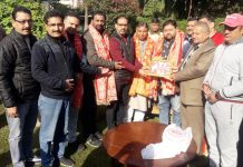 Locals felicitating newly elected BJP leaders.