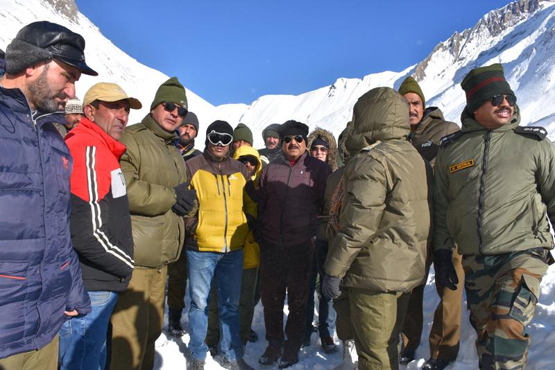 CEC LAHDC Kargil Feroz Ahmad Khan along with senior officers taking stock of snow clearance work on Kargil-Srinagar NH.