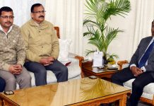 Lt. Governor meeting delegation of J&K Gaddi Sabha on Thursday.
