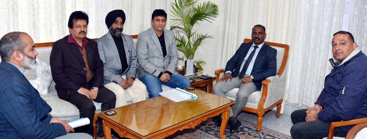 Lt Governor G C Murmu meeting delegation of J&K ITI Employees United Front Jammu on Wednesday.
