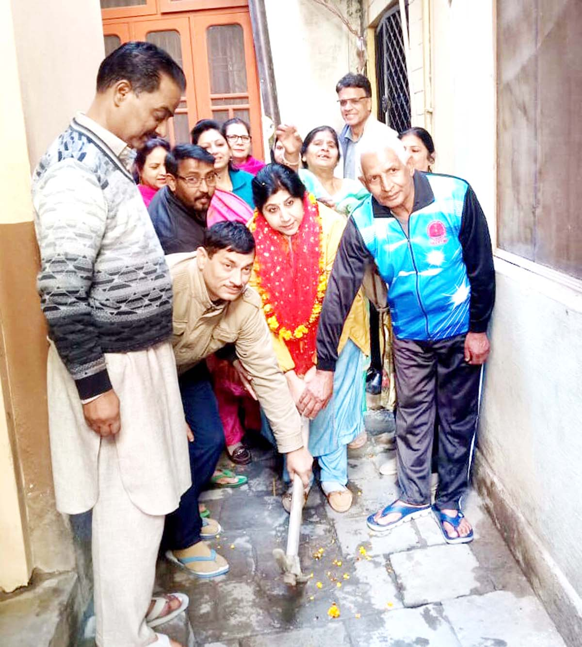 Deputy Mayor JMC, Purnima Sharma laying foundation stone for construction of Nallah at Jammu on Thursday.