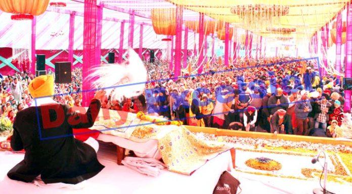 Sikh community members offering prayers at Chand Nagar Gurudwara in Jammu on Thursday. -Excelsior/Rakesh