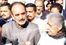 Senior Congress leader Ghulam Nabi Azad, talking to media persons in Jammu on Thursday. -Excelsior/Rakesh