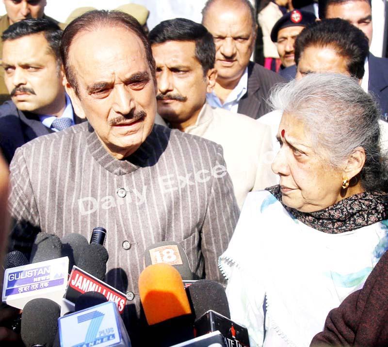 Senior Congress leader Ghulam Nabi Azad, talking to media persons in Jammu on Thursday. -Excelsior/Rakesh