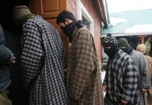 OGWs arrested by police in Bandipora on Saturday. -Excelsior/Aabid Nabi