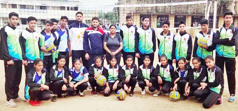 J&K boys team posing for group photograph after losing pre-quarterfinals of the School Games Volleyball in Andhra Pradesh.