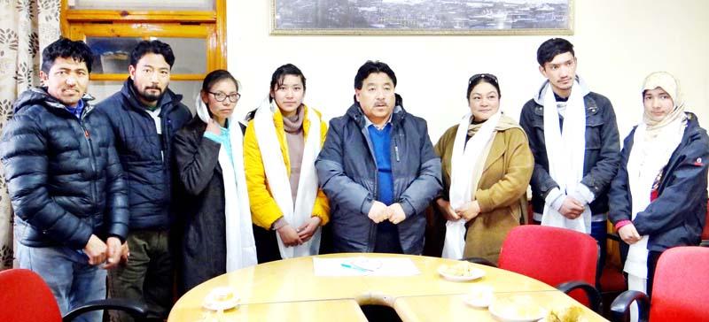 UT Ladakh team players posing for photograph with Chairman/Chief Executive Councillor, LAHDC, Leh Gyal P Wangyal.