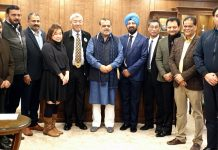 WFA delegates posing along with Dr Narinder Dhruv Batra and other dignitaries during a meeting in New Delhi.