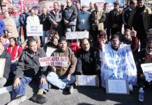 Kashmiri Pandit activists protesting in front of Raj Bhawan at Jammu on Sunday. —Excelsior/Rakesh