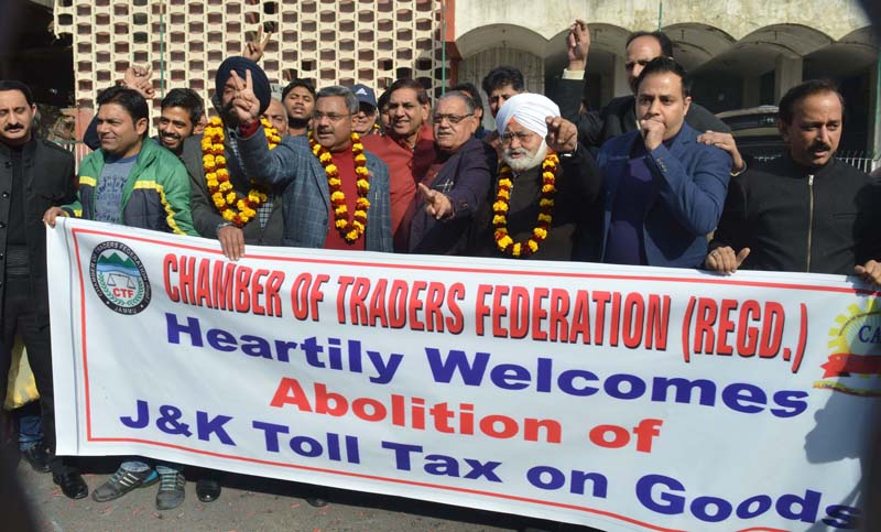 Chamber of Traders Federation celebrating abolition of Toll Tax on goods. —Excelsior/Rakesh