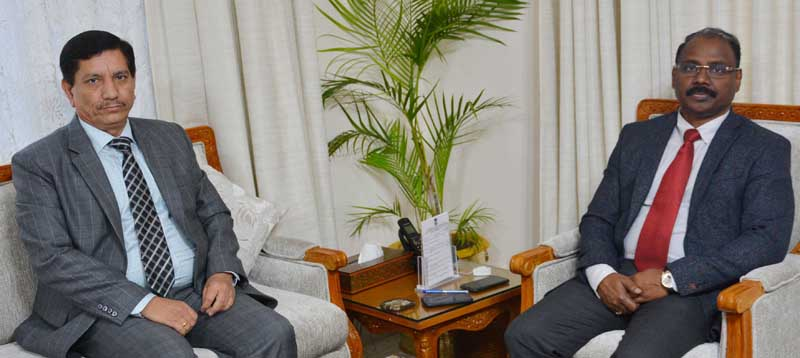 Lt Governor G C Murmu meeting R K Chibber, Chairman J&K Bank on Tuesday.