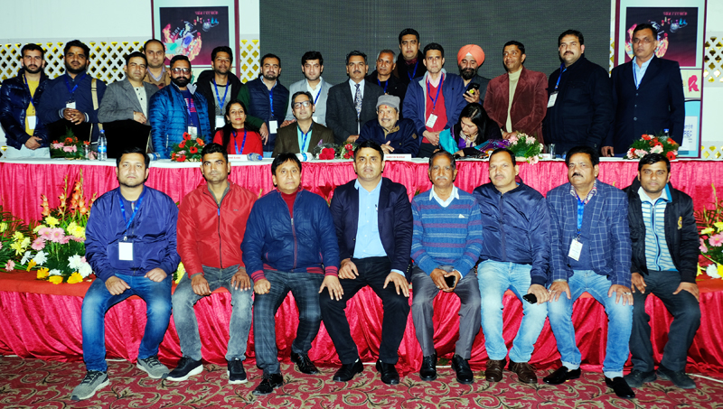 Participants posing for group photograph on conclusion of 2-day FANS conference at Jammu on Sunday.