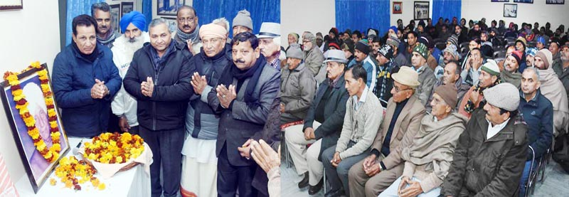 Former Minister RS Chib and others paying tributes to Baldev Singh Chib, Former President of Amar Kshatriya Rajput Sabha.