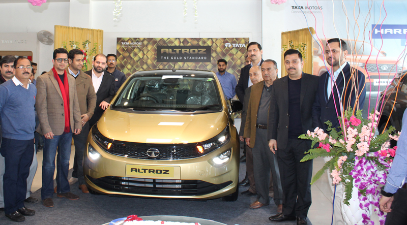 Dignitaries during launch of 'Altroz' at Fairdeal Motors.