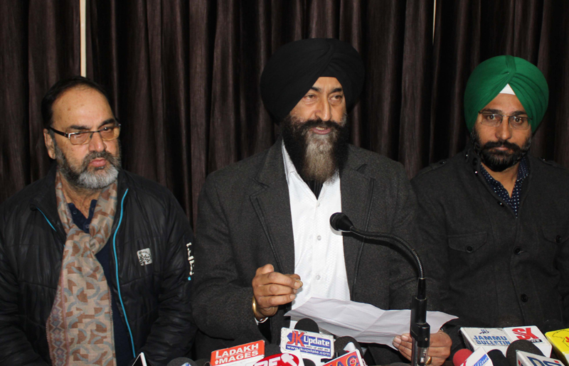 RTI activist Balvinder Singh addressing press conference in Jammu on Saturday. —Excelsior/Rakesh