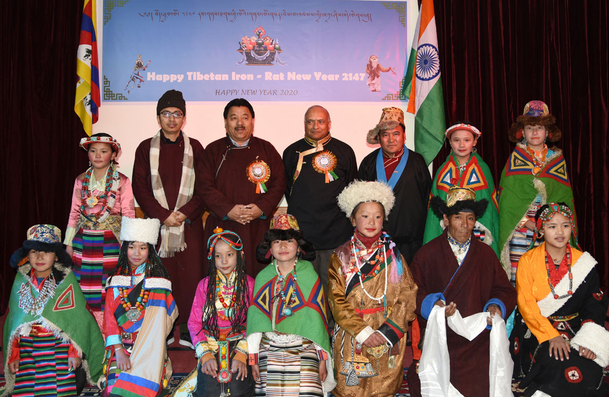 LG Ladakh, Radha Krishna Mathur and other dignitaries posing during Tibetan Losar celebrations.