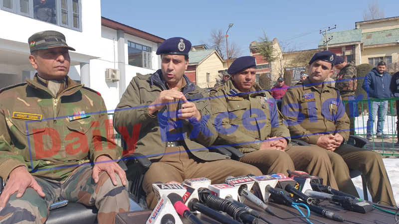 SSP Baramulla Abdul Qayoom and other officials during a press conference in Baramulla on Saturday. -Excelsior/Aabid Nabi