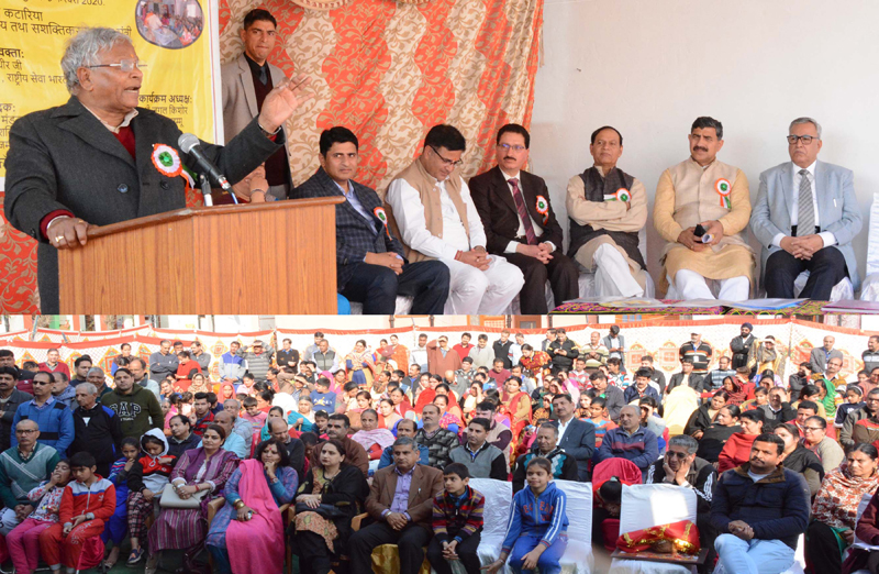 Union Minister of State for Jal Shakti, Rattan Lal Kataria addressing public meeting at Jagti in Jammu on Sunday.