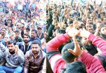 PHE employees staging protest in Jammu (L) and Srinagar (R) on Monday. -Excelsior/Rakesh/Shakeel
