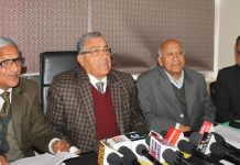 Yash Pal Gupta & others announcing schedule of Jammu Central Mahajan Sabha election. —Excelsior/Rakesh