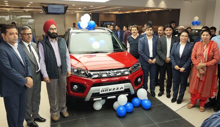 Dignitaries during launch of Maruti Suzuki Vitara Brezza at Jamkash Vehicleades Jammu.