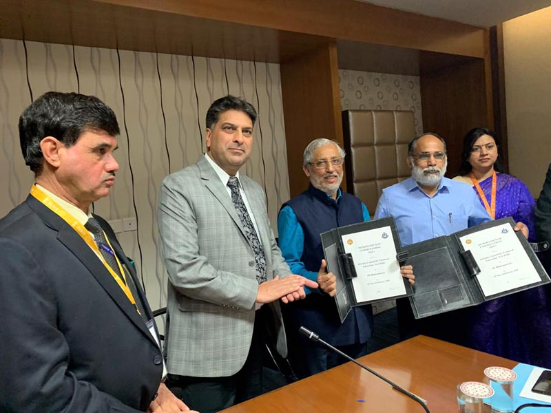 Secretary Higher Education Department Talat Parvez and AICTE officials posing for group photograph after signing of MoU.