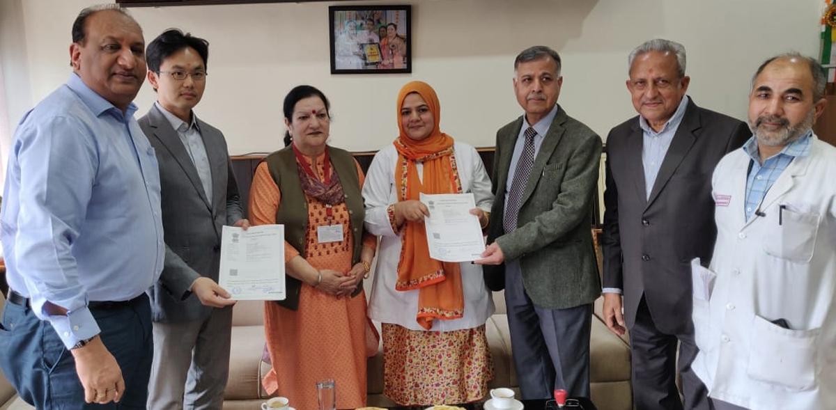 Principal Gmc Jammu Dr Sunanda Raina Along With Hod Radio