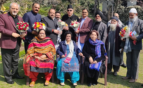 Senior National Conference leaders from Jammu meeting Dr Farooq Abdullah in Srinagar. —Excelsior/Shakeel