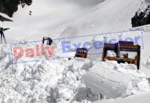 Snow clearance work in progress on Mughal Road in Poonch. -Excelsior/Ramesh Bali
