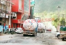 LPG tankers passing through Ramban town for Kashmir on Thursday. -Excelsior/ Parvaiz Mir