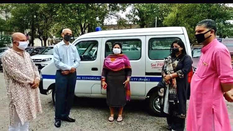 BJP leader & former Minister keeping an ambulance donated by her at disposal of shifting people to hospitals during emergency in Jammu East on Wednesday.