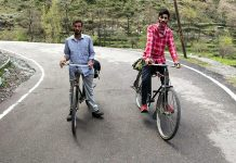 Labourers from Mandi Poonch travelling on bicycles from Himachal Pradesh.