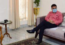 Lt Governor G C Murmu meeting Yashpaul Kundal at Raj Bhavan Jammu.