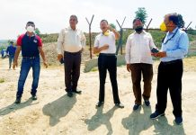 JMC Mayor alongwith others inspecting developmental work at Nagrota Cattle pond.