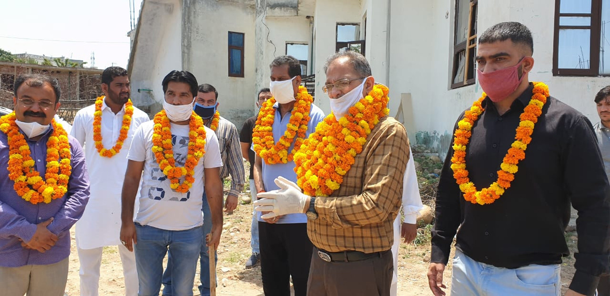Former Dy Chief Minister, Kavinder Gupta kick starting up-gradation works of lane and drain in Narwal Bala.