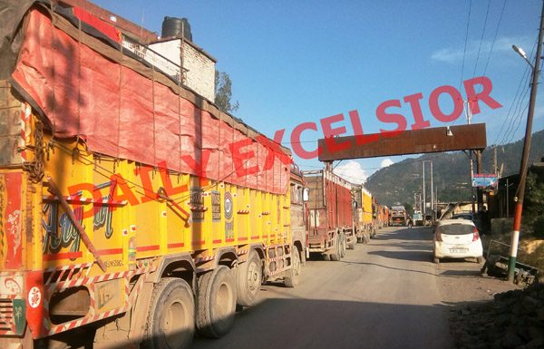Traffic jam on Jammu-Srinagar National Highway at Ramban town. -Excelsior/Parvaiz Mir